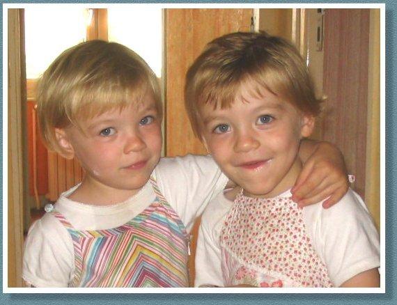Emma & Julie Juillet 2005